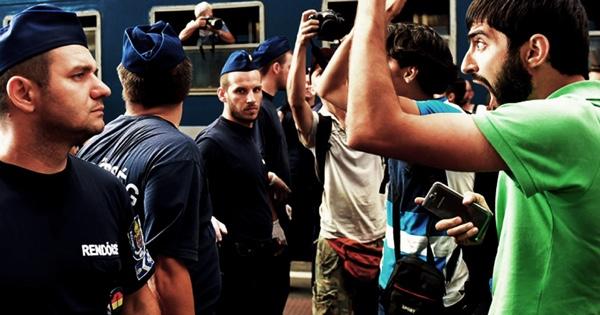 Мигранты и полиция