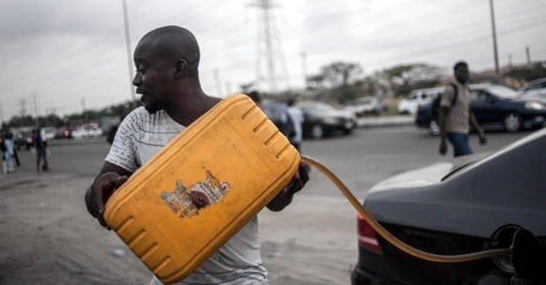 Перебои с бензином в Нигерии