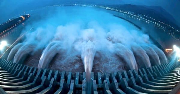 Гидроэлектростанция и цены на нефть
