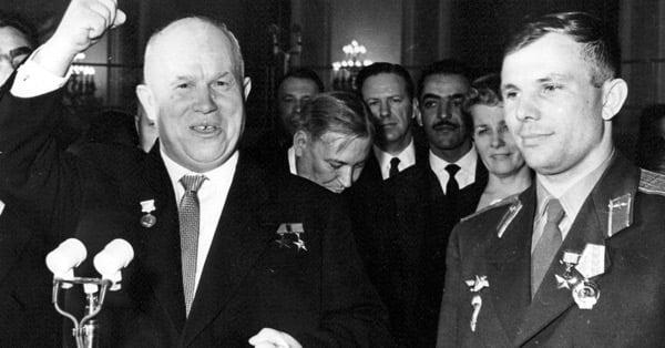 Хрущёв и Гагарин