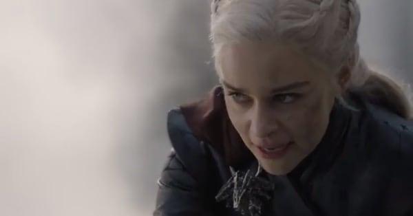 Игра Престолов - Дейенерис сжигает Королевскую Гавань