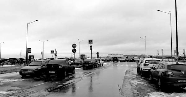 Парковка на территории беззакония