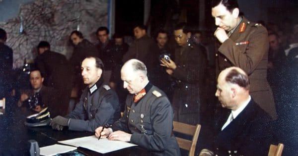 Подписание Германией акта о полной и безоговорочной капитуляции